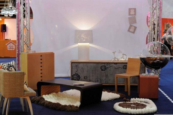 L\'exposition DesDesigners met en scène des pièces et du mobilier en bois