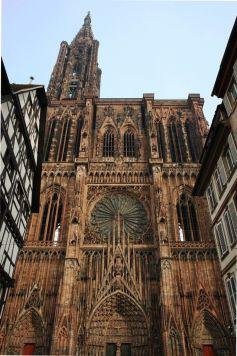 L\'imposante Cathédrale de Strasbourg culmine à 142m