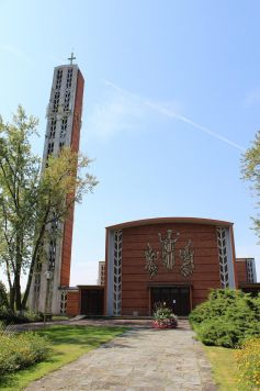L\'imposante Eglise Notre-Dame de Saint-Louis