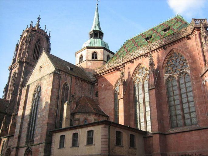 La basilique gothique Saint-Georges se situe à Sélestat, dans le Bas-Rhin