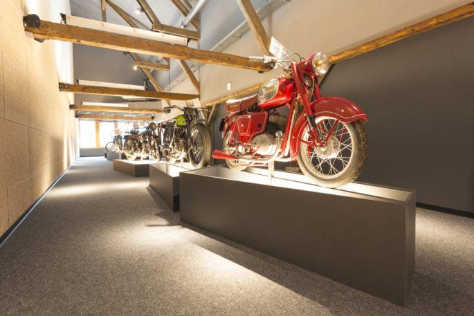 Ce sont plus de 90 motos qui sont exposées à l\'intérieur de La Grange à bécanes de Bantzenheim