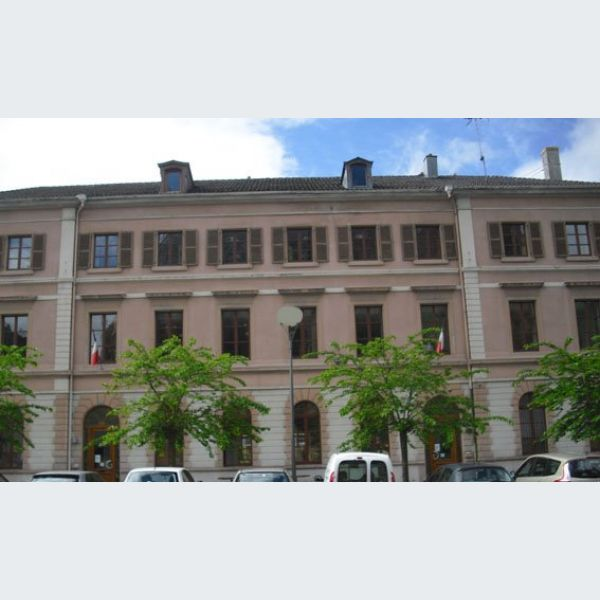 Mairie de thann alsace haut rhin ville maire for Piscine thann horaire