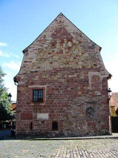 La Maison des Chevaliers fait partie de la Grange aux Dîmes, patrimoine historique de la ville de Wissembourg