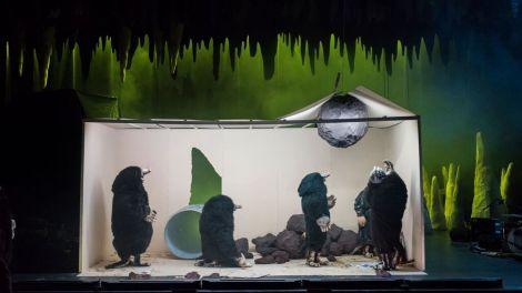 Les taupes de Philippe Quesne s'inventent une nouvelle vie sous terre