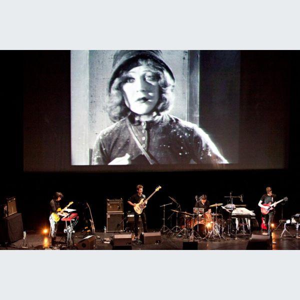 La petite marchande d 39 allumettes mulhouse cin concert pour enfants la filature - La petite marchande angers ...