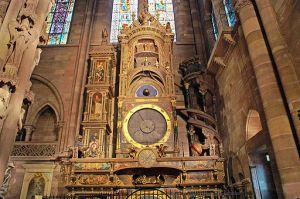 https://www.jds.fr/medias/image/la-remarquable-horloge-astronomique-cotoie-de-pres-12498