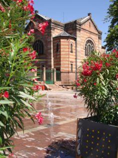 La synagogue de Sélestat arbore un beau style néo-roman.