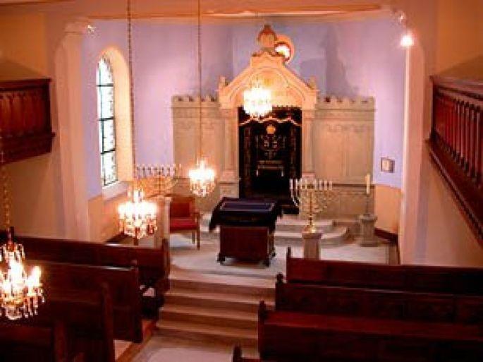 La synagogue de Struth garde encore de très précieuses pièces de mobilier
