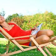 Hamacs et parasols : la vie est belle au soleil !