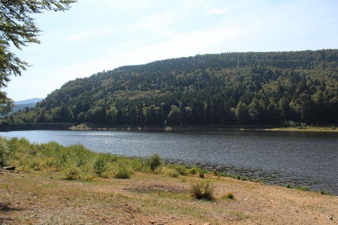 Le lac de la Lauch et son barrage