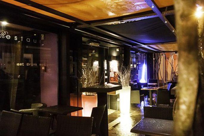 <p>Le Carré : une ambiance lounge idéale pour se relaxer</p>