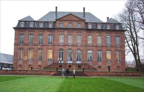 Le château De Dietrich est un symbole de la puissance de la famille industrielle