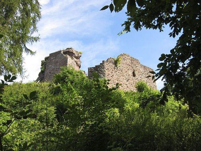 Le château de Hohenbourg est une des ruines les plus au Nord de l\'Alsace