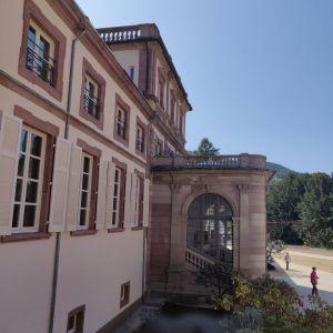 L\'entrée monumentale du château de la Neuenbourg