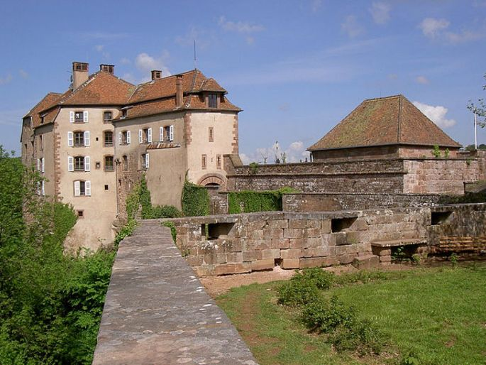 Le château de la Petite Pierre est aujourd\'hui le siège du Parc National des Vosges du Nord