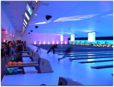 Le Cristal Bowling propose pas moins de 36 pistes pour pratiquer