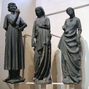 Le Diable tentateur et les vierges folles, parmi les sculptures les plus célèbres de la Cathédrale de Strasbourg