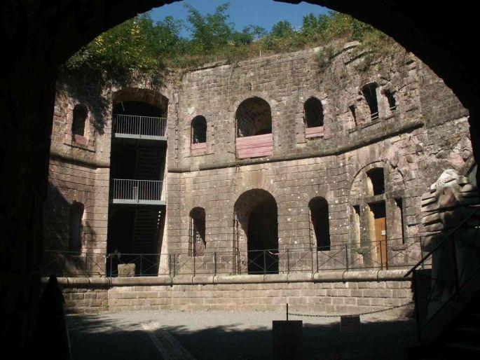 La façade du Fort Dorsner de Giromagny