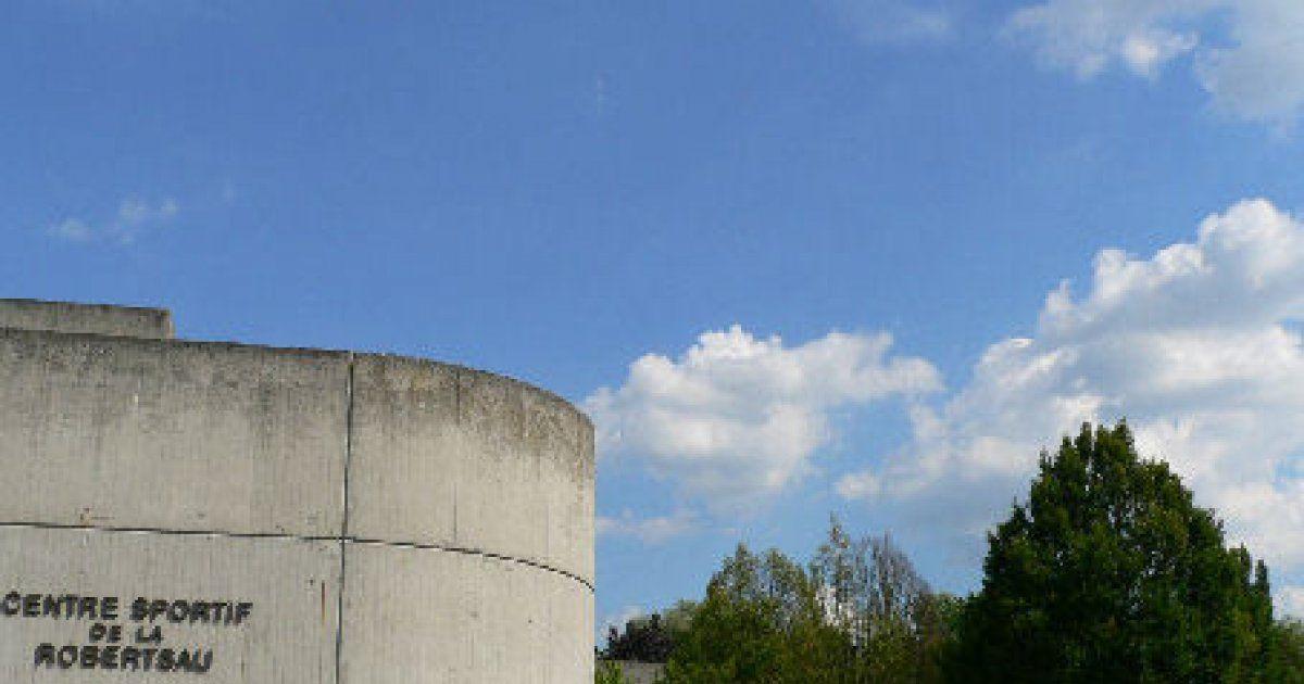 Centre sportif de la robertsau strasbourg complexe for Maison de l emploi strasbourg