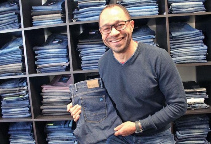 Le souriant Franck Perring, créateur du\