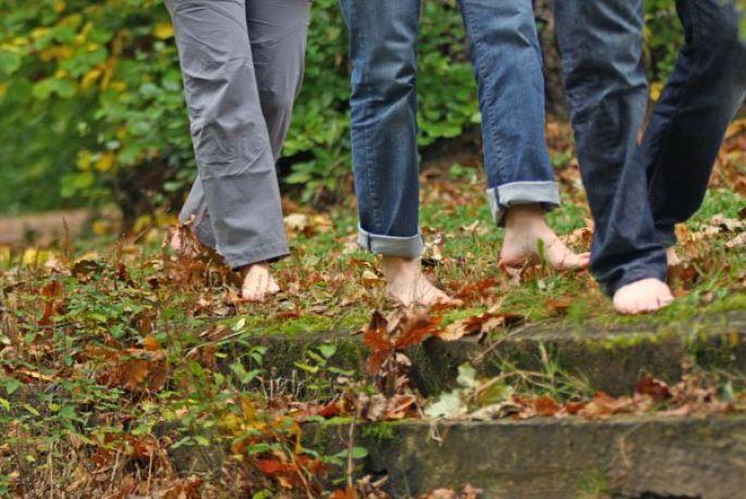 Un sentier qui fait  du bien aux doigts de pied