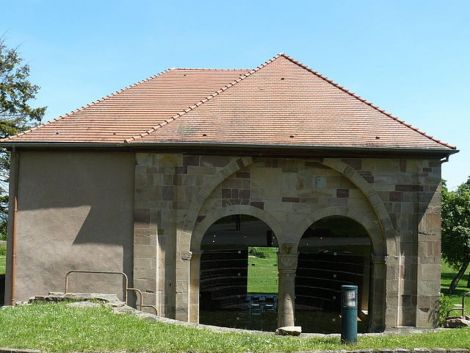 Le narthex est un des derniers vestiges intacts de l\'abbaye de Marbach