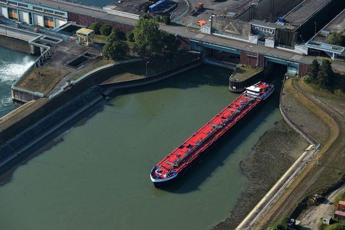 Le parcours des poissons et des bateaux à Strasbourg