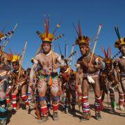 Connaissance du Monde : Le Peuple de l\'Amazone