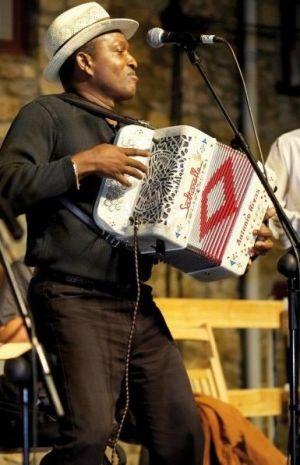 Les plus grands joueurs d\'accordéon se retrouvent à Illkirch pour le Printemps des Bretelles, comme ici Antonio Rivas lors d\'une des précédentes éditions