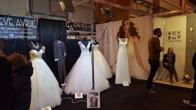 Les robes de mariées sont mises à l\'honneur chez les exposants du salon du mariage de Colmar