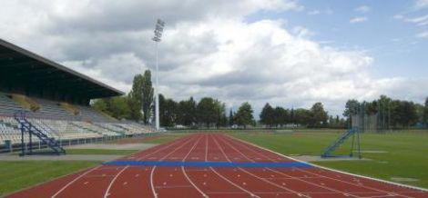 Le stade, ainsi que les autres structures de l\'ASPTT Strasbourg, permettent la pratique de nombreux sports.