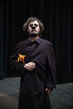 Le syndrome de Cassandre, un spectacle de magie et de cirque de Yann Frisch