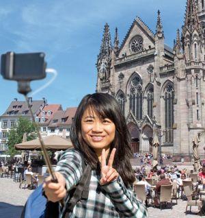 https://www.jds.fr/medias/image/le-touriste-en-alsace-a-faire-vs-le-touriste-en-al-1-41905