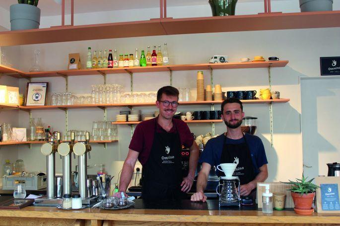 Le nouveau café branché: les arcades d\'Omnino!