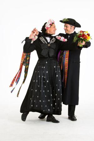 Les heureux mariés de la fête du Streisselhochzeit à Seebach