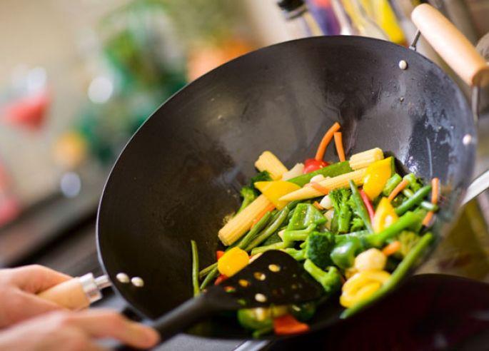 Les légumes du printemps cuisinés au wok