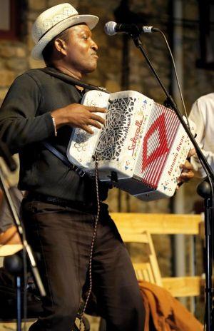 Les plus grands joueurs d\'accordéon se retrouvent à Illkirch pour le Printemps des Bretelles, comme ici Antonio Rivas en 2013