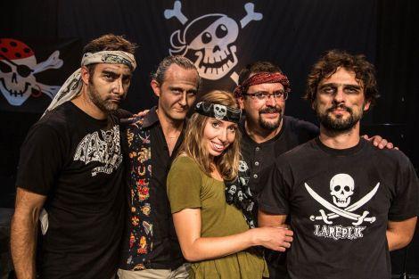 La troupe de Lila et les pirates
