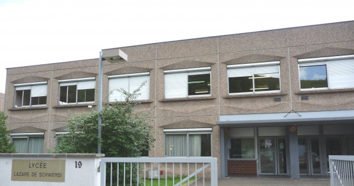 Coll ge lyc e polyvalent lazare de schwendi d 39 ingersheim for College charles lemoyne piscine