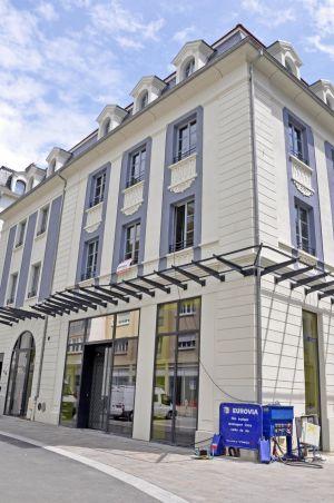 La Maison Engelmann, située rues de la Moselle et du Moulin, accueille des boutiques alimentaires haut de gamme