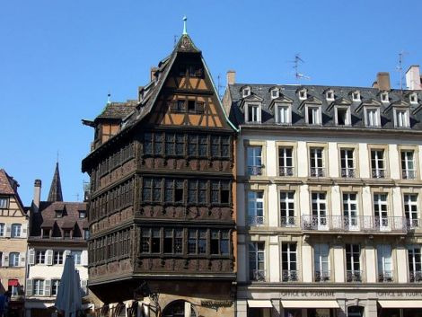Impossible de rater la Maison Kammerzell avec ses 75 fenêtres !