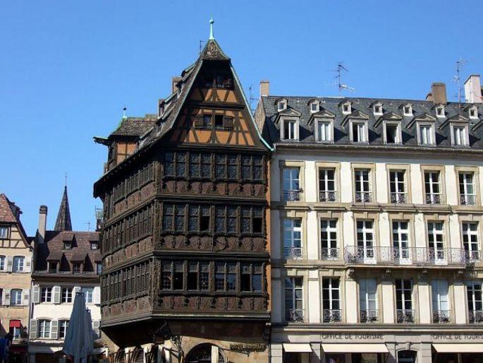 Impossible de rater la Maison Kammerzell avec ses 75 fenêtres!