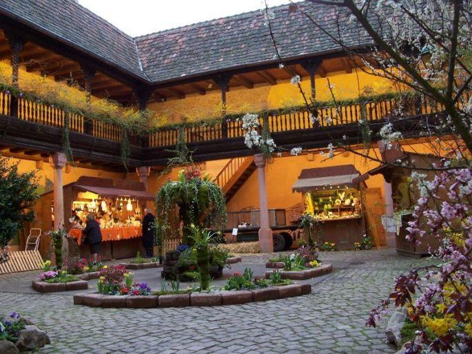 Marché et Préludes de Pâques à Kaysersberg