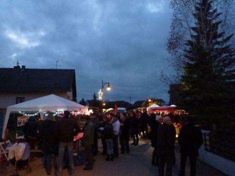 Les rues sont animées pour le Marché de Noël de Daubensand