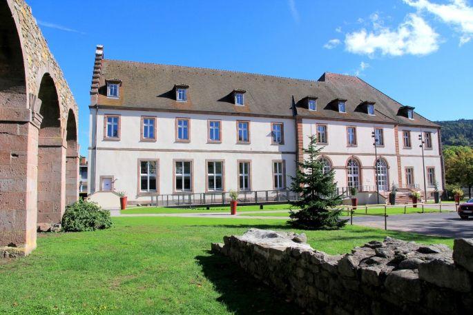 Le bâtiment dit du Prélat accueille la Médiathèque de la Vallée de Munster