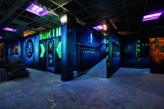 A l\'intérieur du Laser Games de Saint-Louis