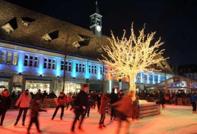 La Patinoire de Noël de Montbéliard sur la Place Denfert Rochereau