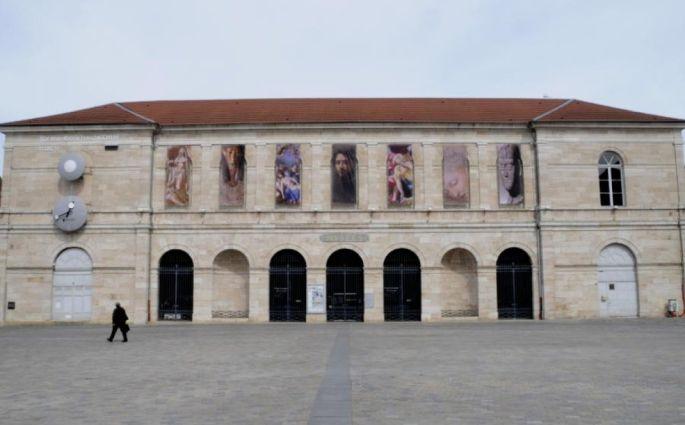 La façade du Musée des Beaux-Arts et d\'Archéologie