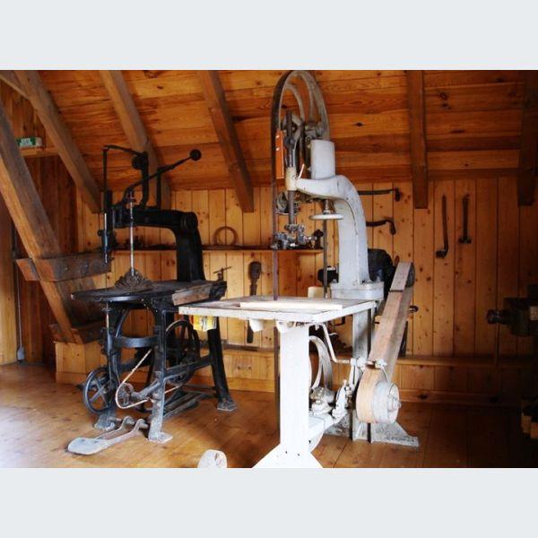 mus e schlitte m tiers bois muhlbach munster objets. Black Bedroom Furniture Sets. Home Design Ideas