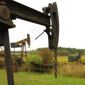 Les anciennes pompes à pétroles sont encore présentes dans le paysage de Merkwiller-Pechelbronn
